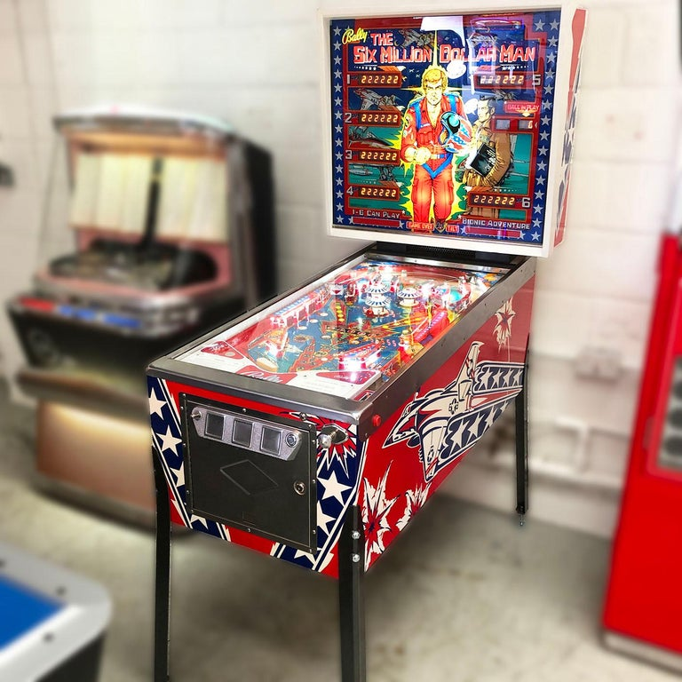 Metal 1977 Six Million Dollar Man Pinball Machine by Bally For Sale