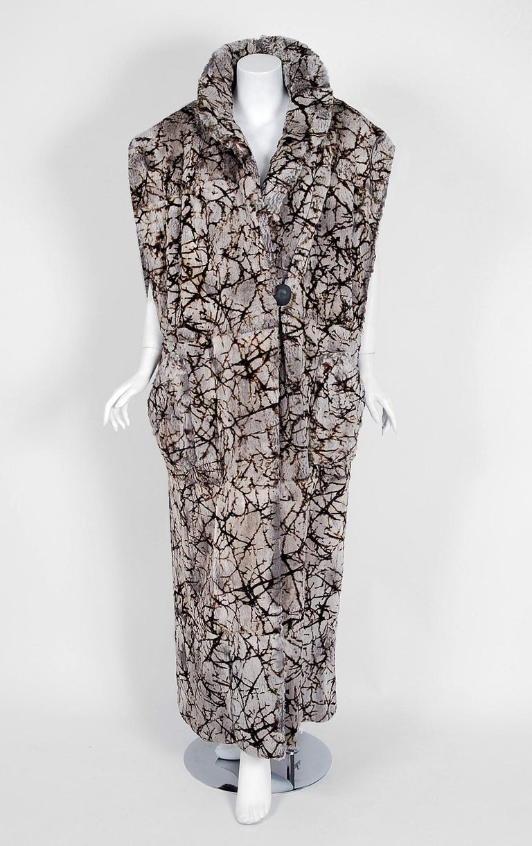 Gray Vintage 1978 Fendi Couture by Karl Lagerfeld Chinchilla Fur Maxi Jacket Vest For Sale