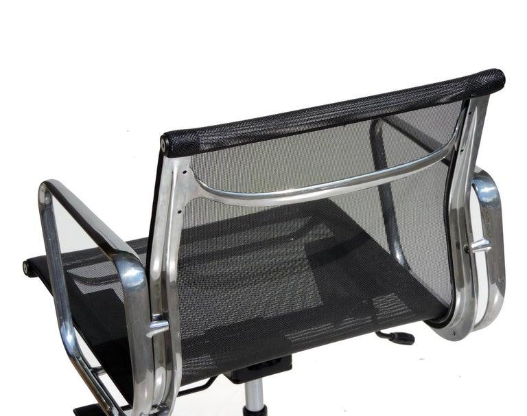 Italian 1980 EA 108 Charles Ray Eames Herman Miller ICF Design Swivel Chair For Sale