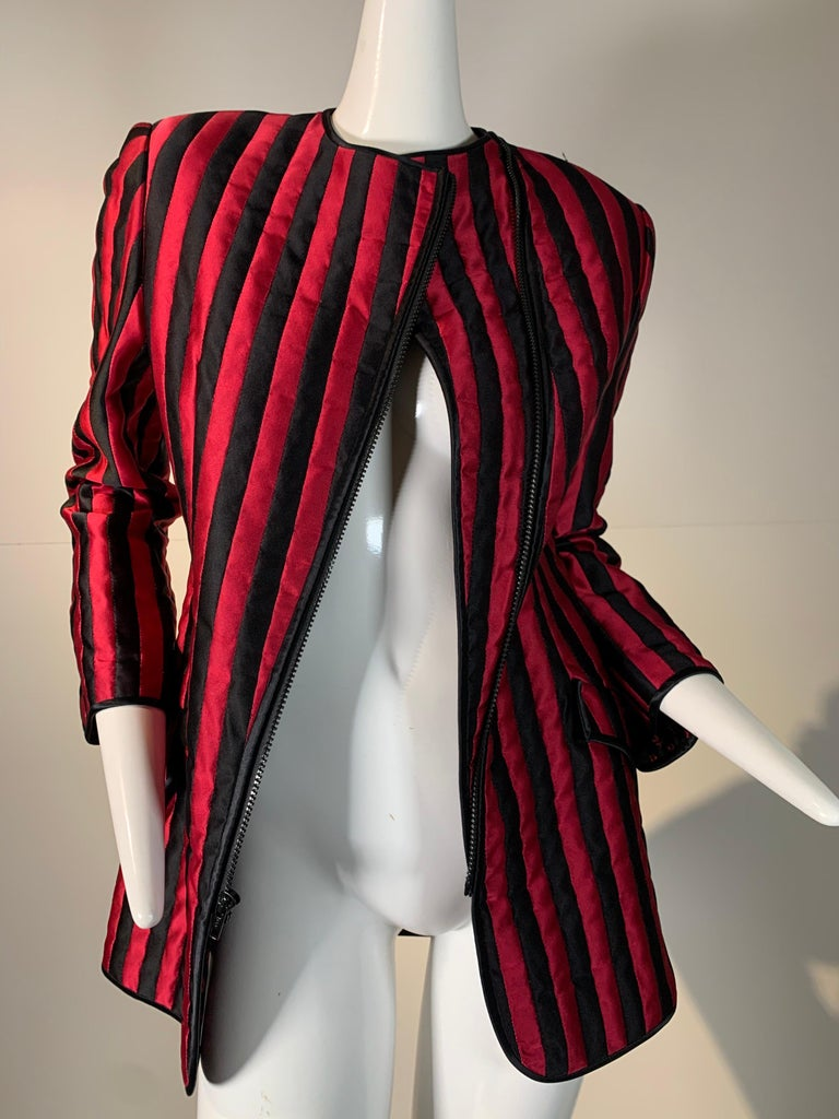 1980 Geoffrey Beene Red & Black Silk Stripe Asymmetrical Zip Smoking Jacket  For Sale 6