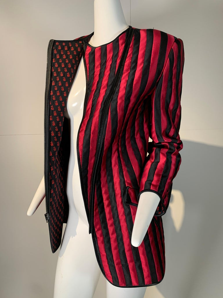 1980 Geoffrey Beene Red & Black Silk Stripe Asymmetrical Zip Smoking Jacket  For Sale 10