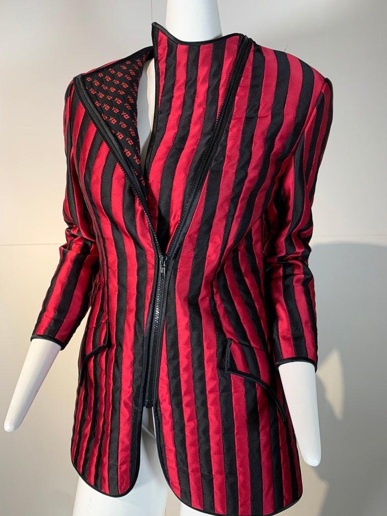 1980 Geoffrey Beene Red & Black Silk Stripe Asymmetrical Zip Smoking Jacket  In Excellent Condition For Sale In San Francisco, CA