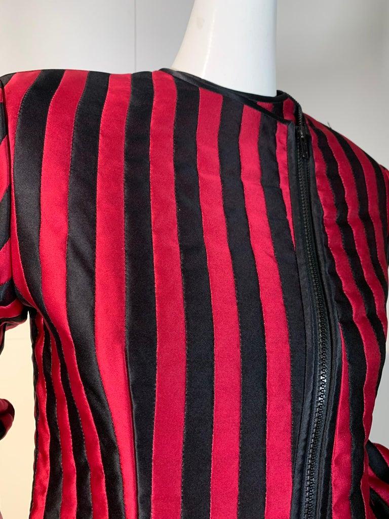 1980 Geoffrey Beene Red & Black Silk Stripe Asymmetrical Zip Smoking Jacket  For Sale 1