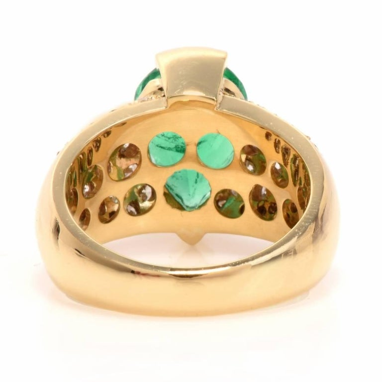 Women's 1980 GIA Emerald Pave Diamond Yellow Gold Cocktail Ring For Sale