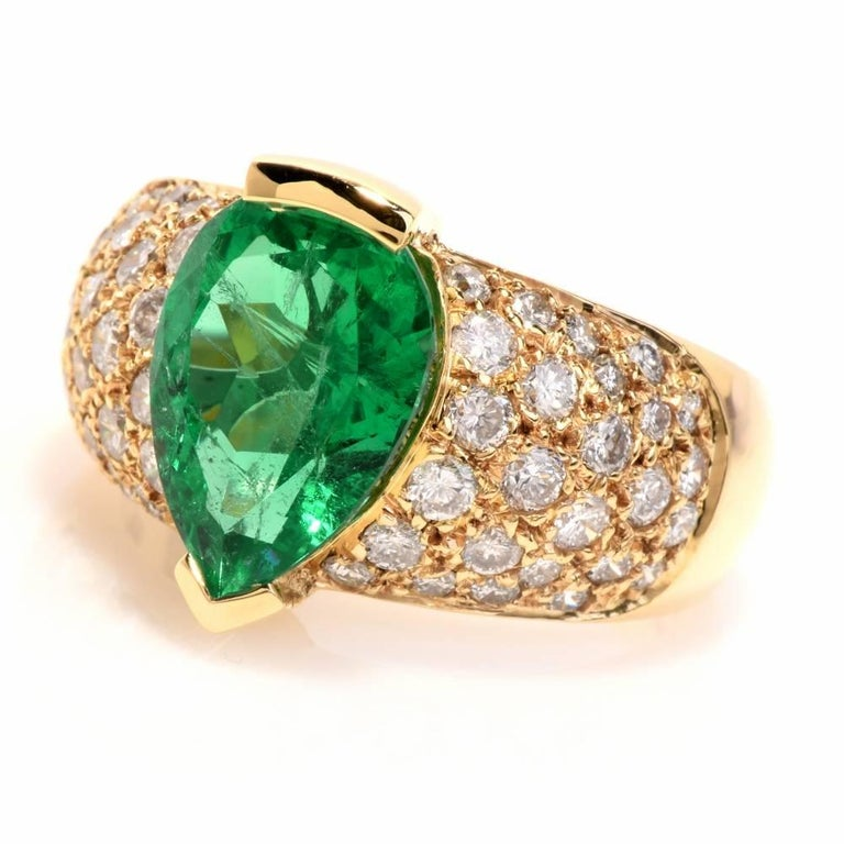 1980 GIA Emerald Pave Diamond Yellow Gold Cocktail Ring For Sale 1