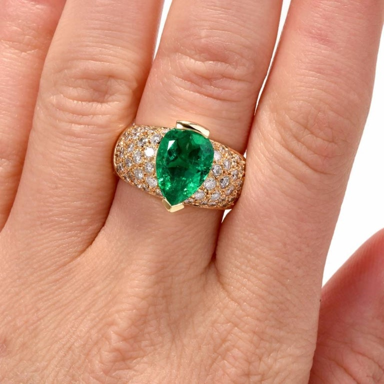 1980 GIA Emerald Pave Diamond Yellow Gold Cocktail Ring For Sale 3