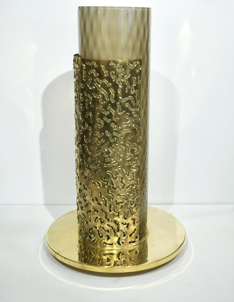 1980 Italian Brutalist Pair of Cream Beige Murano Glass Round Brass Table Lamps For Sale 9