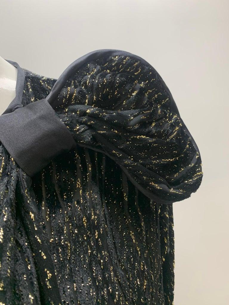 1980 Schiaparelli Black & Gold Woodgrain Velvet Side Tie Opera Coat or Dress In Excellent Condition For Sale In San Francisco, CA