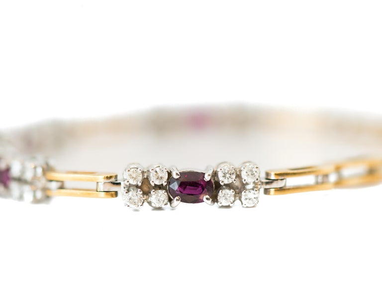 Contemporary 1980s 0.75 Carat Diamond and 1 Carat Ruby Link Bracelet in 18 Karat Gold For Sale