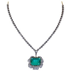 1980s 11.53 Carat Green Emerald and Diamond Floral Motif Necklace