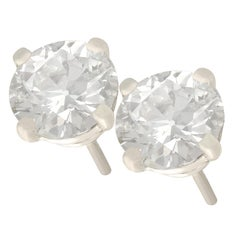 1980s 1.48 Carat Diamond and Platinum Stud Earrings