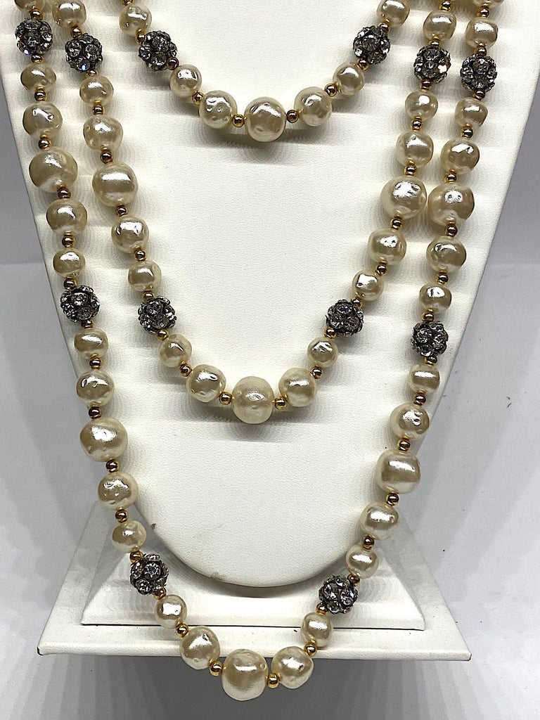 1980s 3 Strand Pearl and Rhinestone Long Necklace For Sale 3