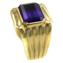 1980s Amethyst 18 Karat Gold Ring