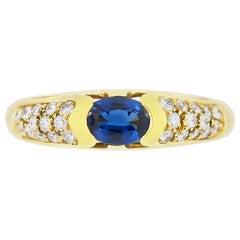 1980s Beautiful Sapphire and Diamonds Ring