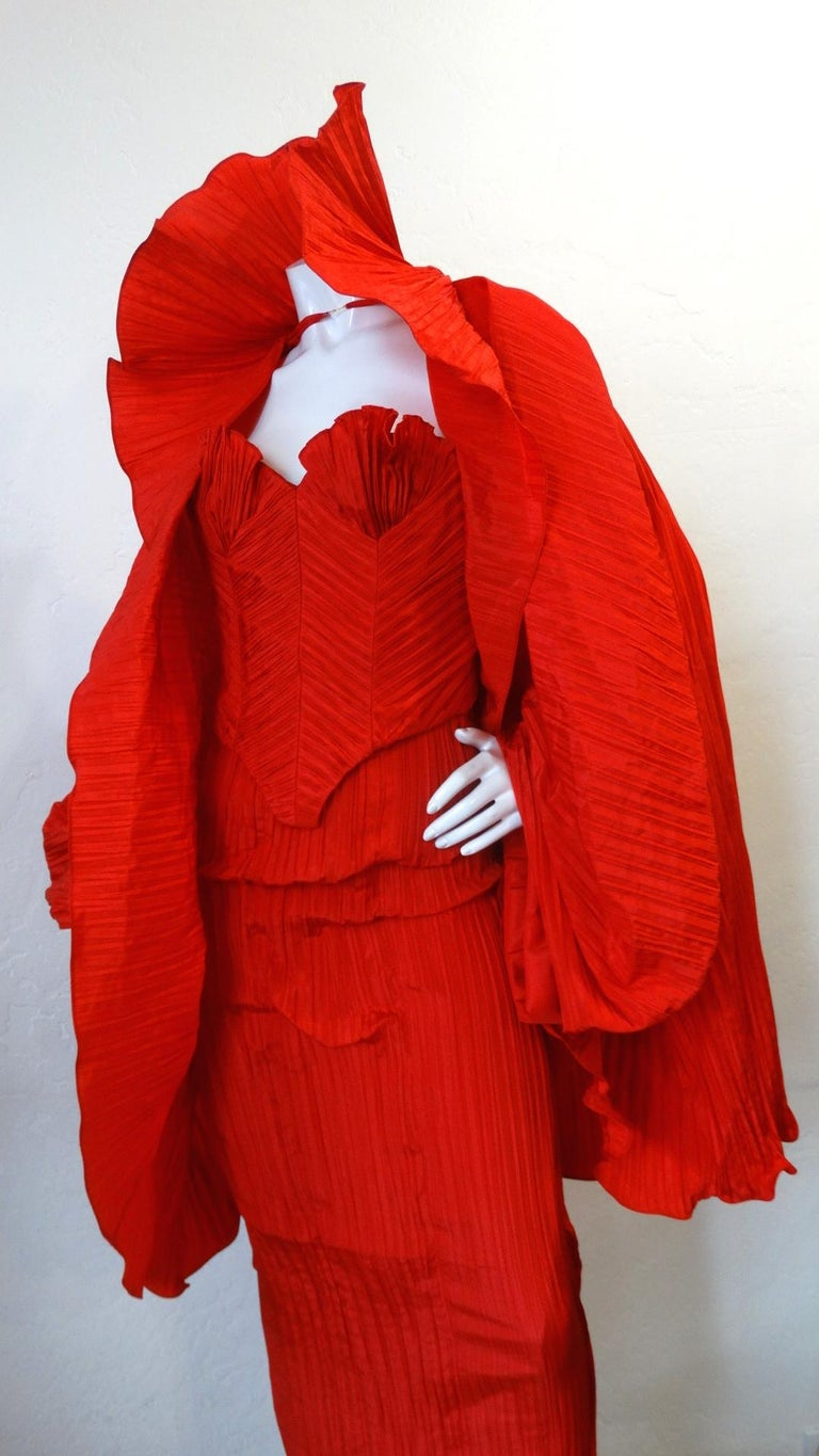1980s Bernard Perris Couture Silk Crepe Cape For Sale 7