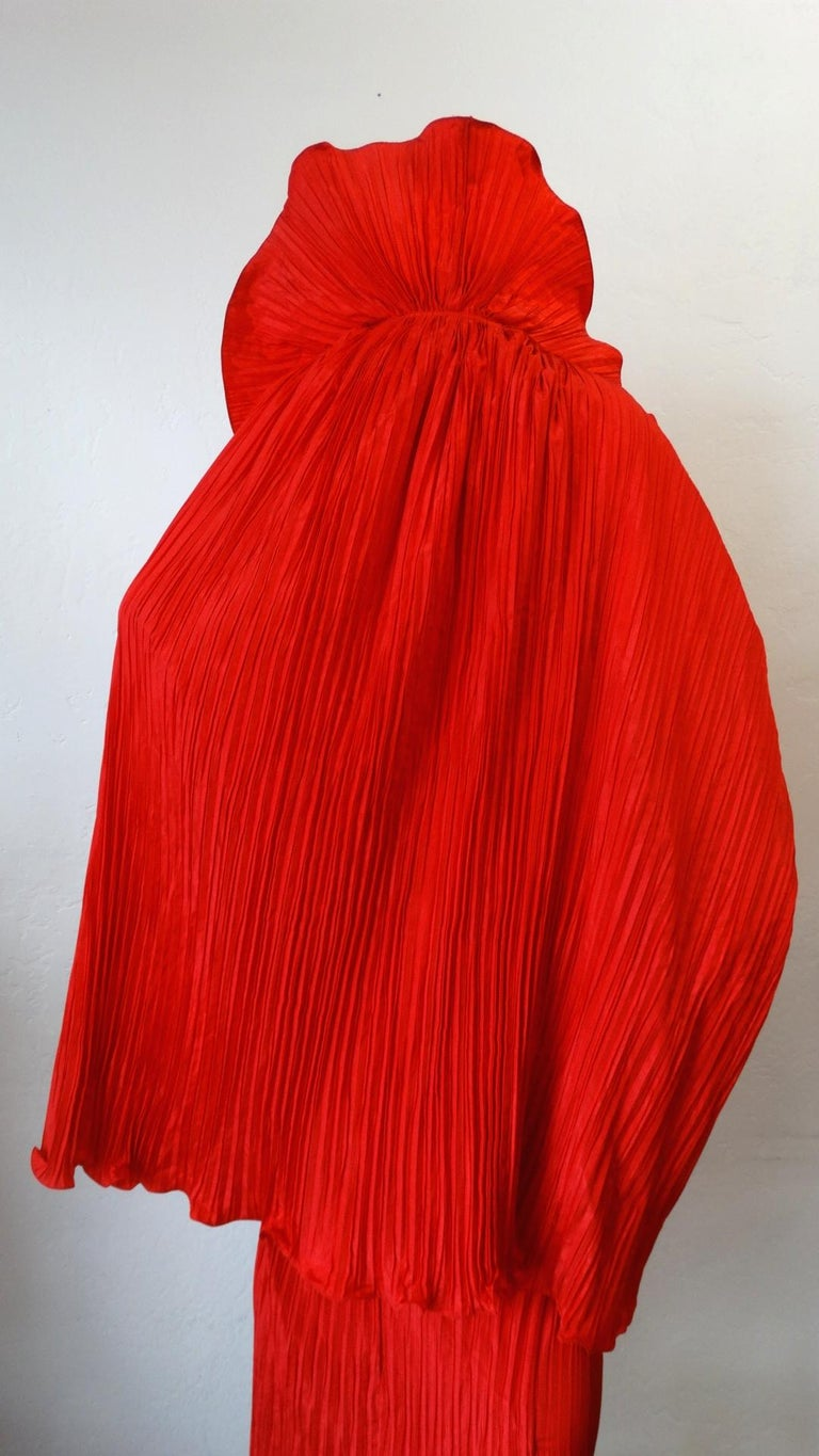 1980s Bernard Perris Couture Silk Crepe Cape In Excellent Condition For Sale In Scottsdale, AZ