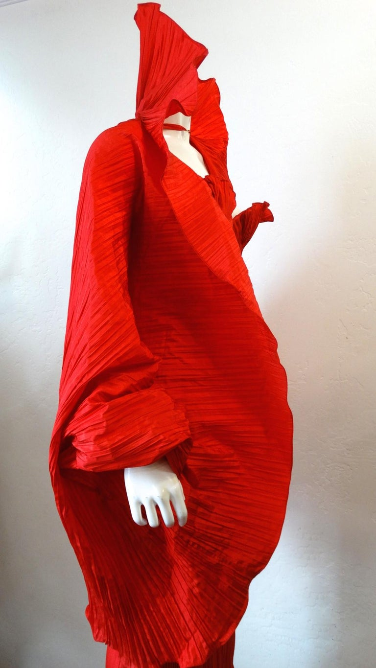 Women's or Men's 1980s Bernard Perris Couture Silk Crepe Cape For Sale
