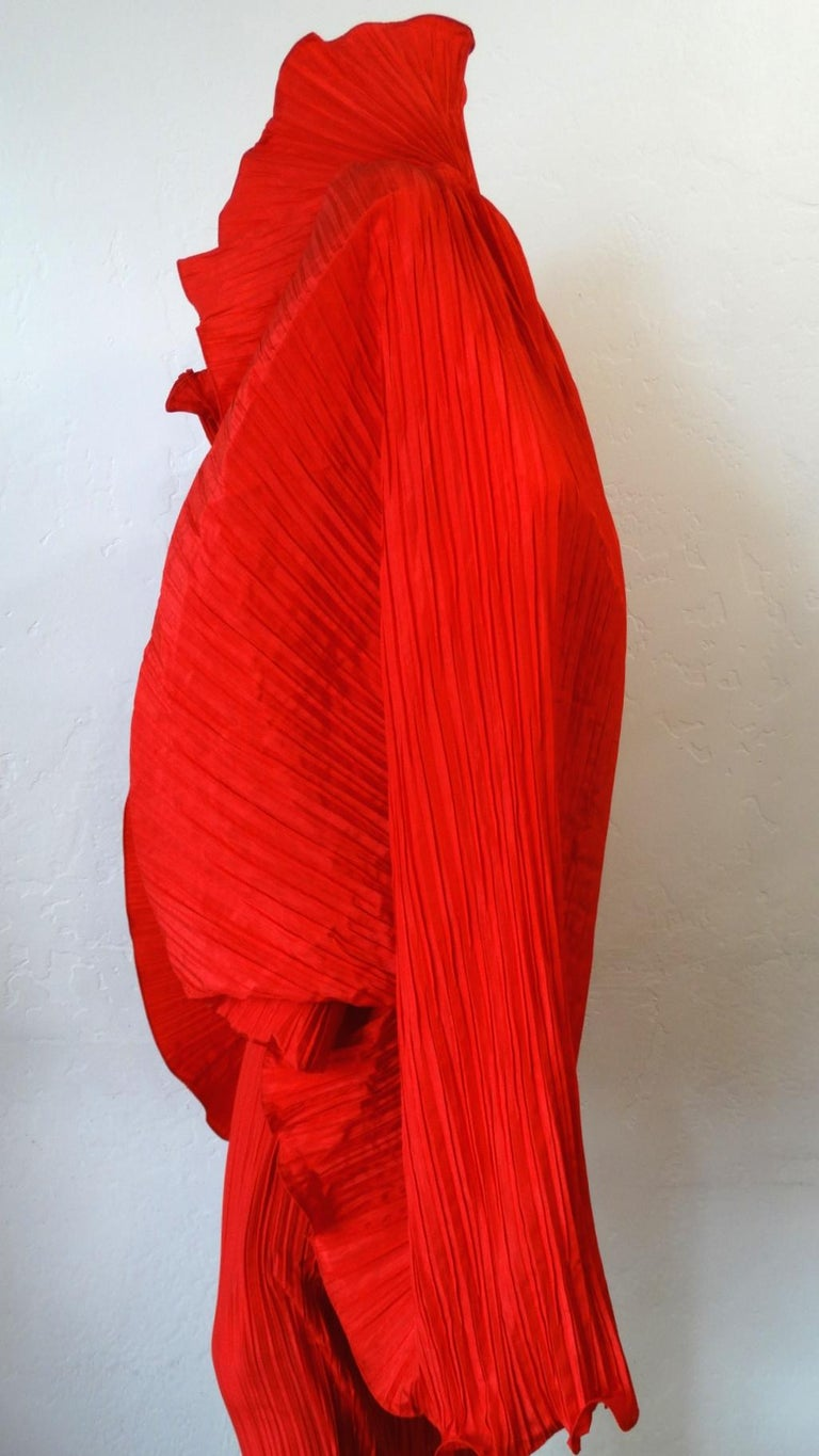 1980s Bernard Perris Couture Silk Crepe Cape For Sale 3