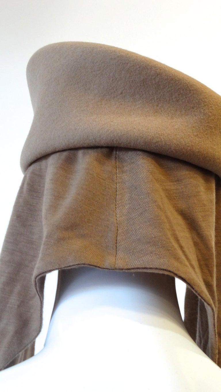 1980s Betmar Tan Wool Beret With Headwrap In Good Condition For Sale In Scottsdale, AZ