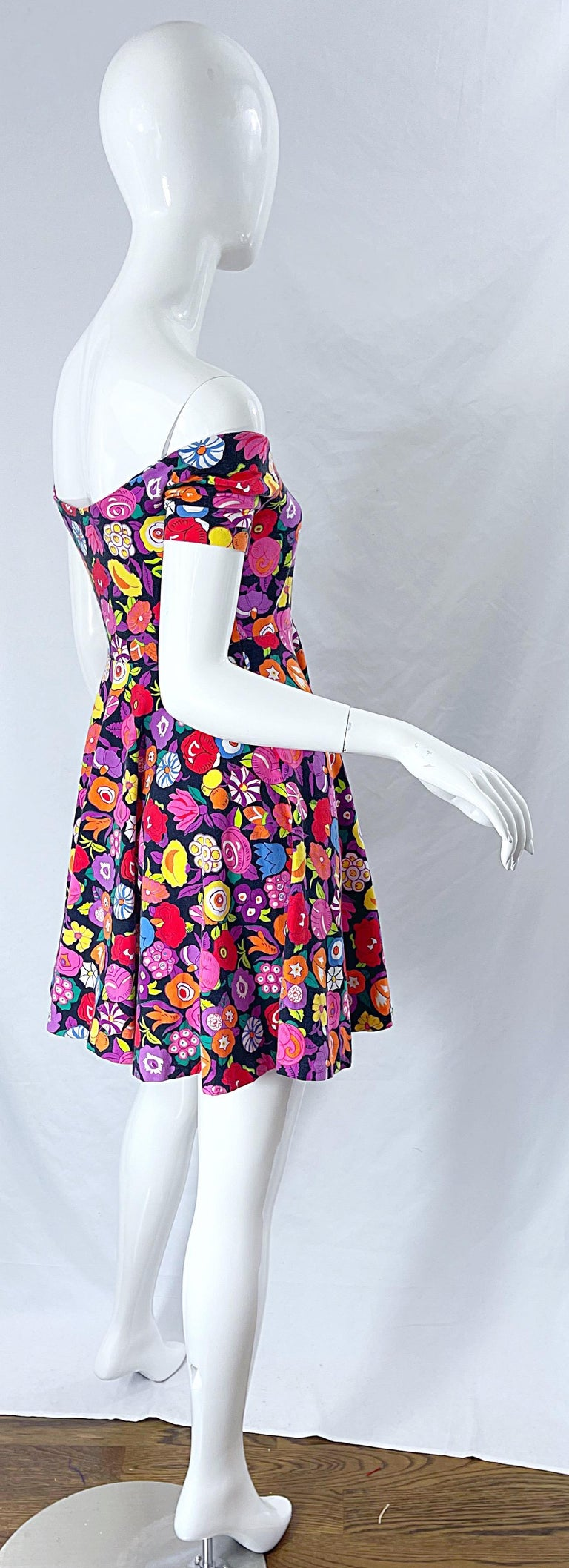 1980s Betsey Johnson Punk Label Off Shoulder Bright Flower 80s Mini Dress In Excellent Condition For Sale In Chicago, IL