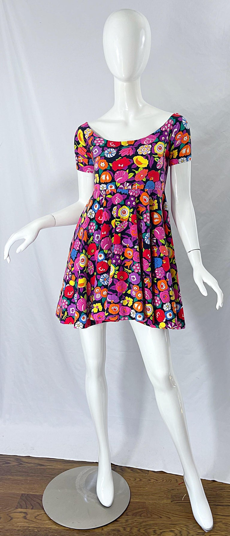 Women's 1980s Betsey Johnson Punk Label Off Shoulder Bright Flower 80s Mini Dress For Sale