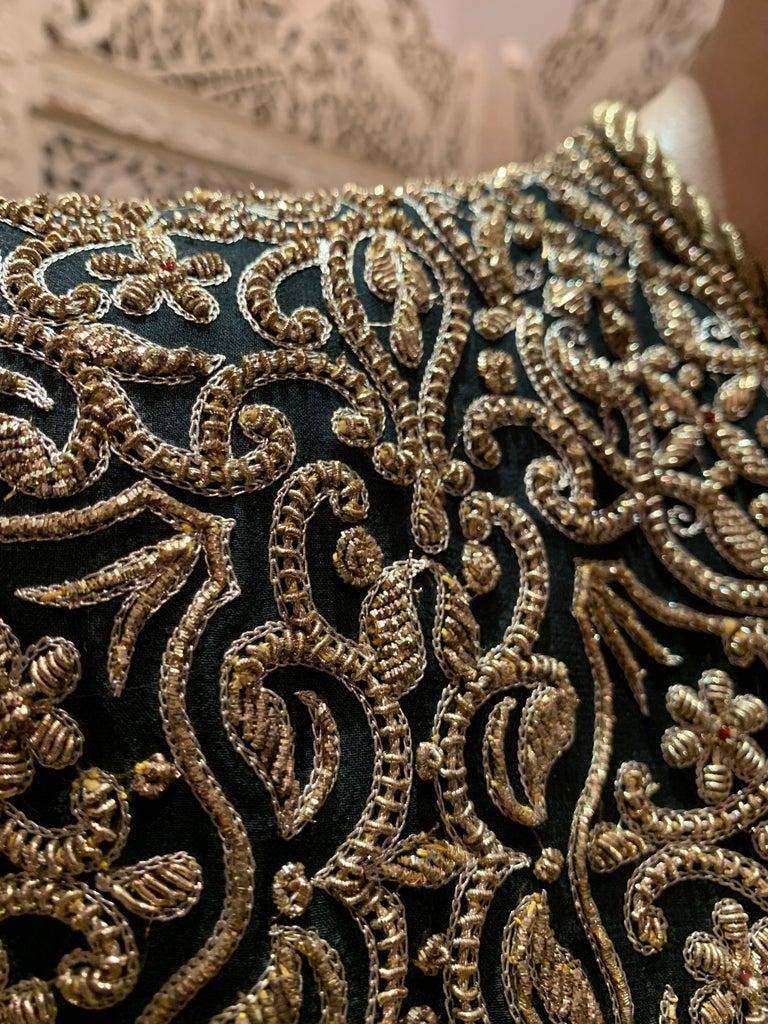 1980s  Bill Blass Evening Jacket W/ Heavily Encrusted Chain Embriodery Gold Work In Excellent Condition For Sale In San Francisco, CA