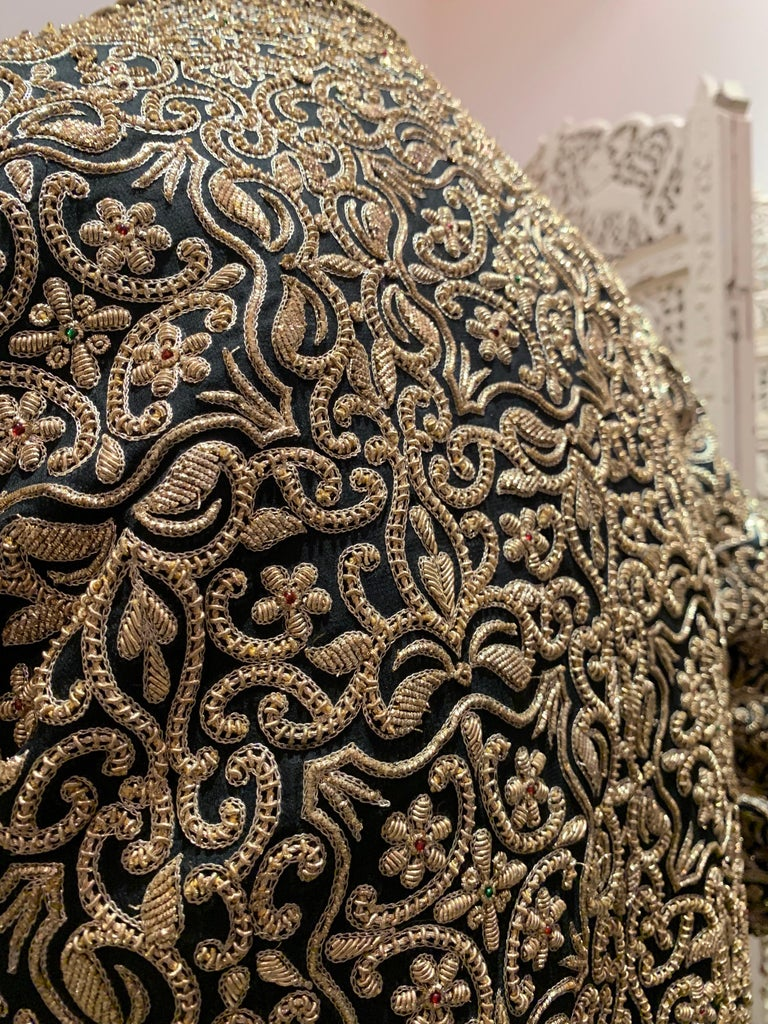 1980s  Bill Blass Evening Jacket W/ Heavily Encrusted Chain Embriodery Gold Work For Sale 4
