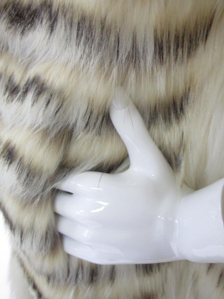 1980s  Bill Blass White Silk Lined Fox Coat  For Sale 3