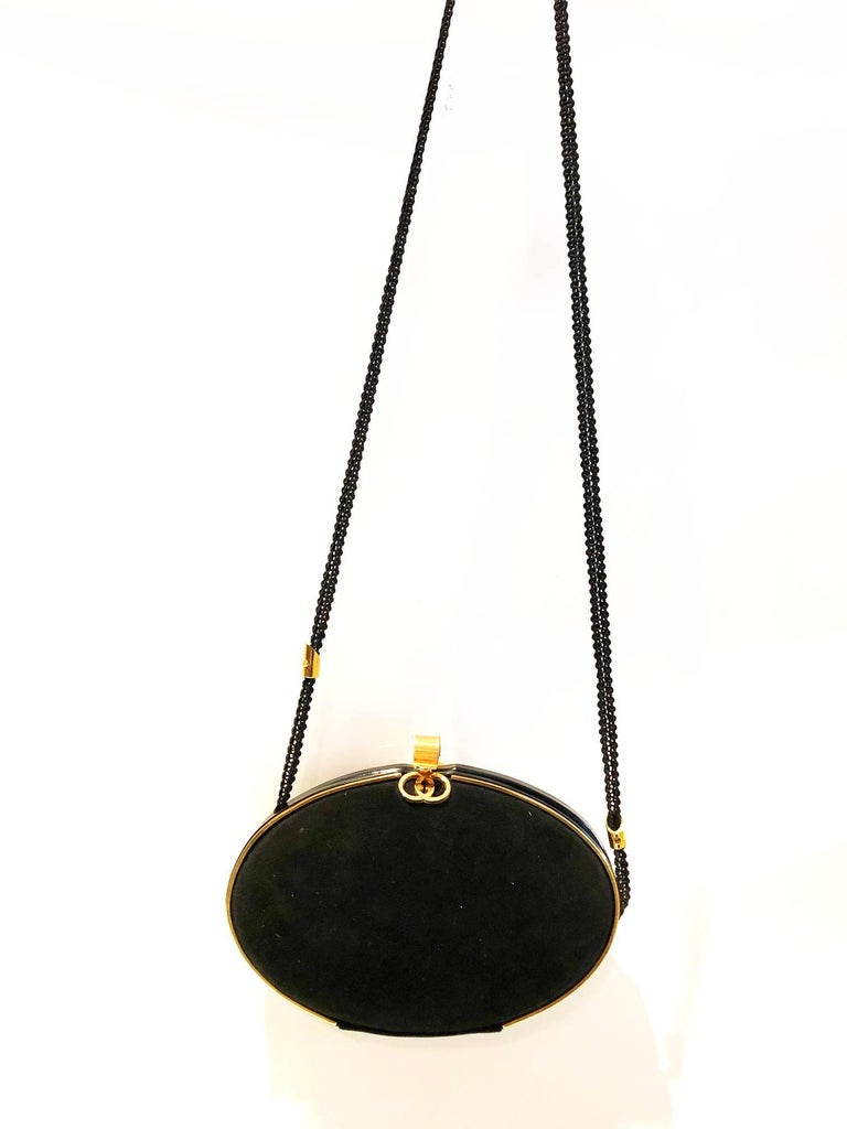 Gucci 1980s Black Vintage Gold oval shaped clutch bag For Sale 2