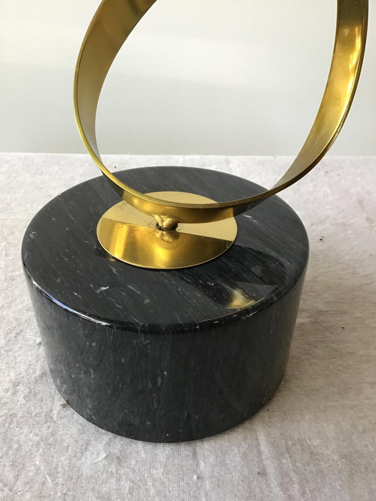 1980s Brass Ribbon Abstract Sculpture on Marble Base For Sale 8