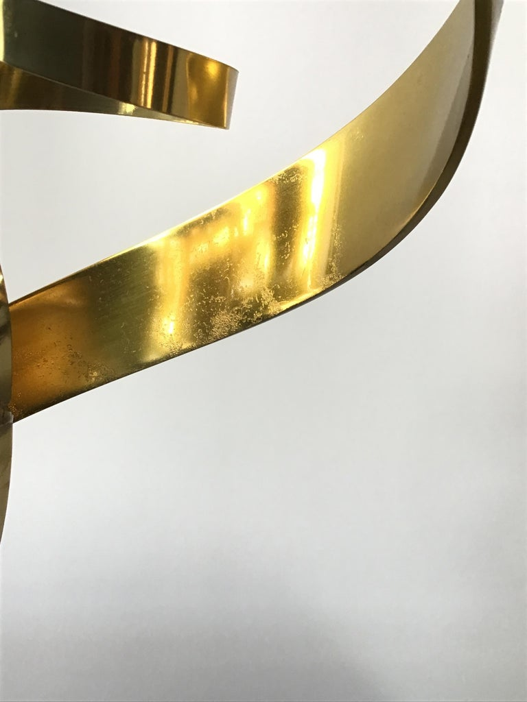 1980s Brass Ribbon Abstract Sculpture on Marble Base For Sale 4