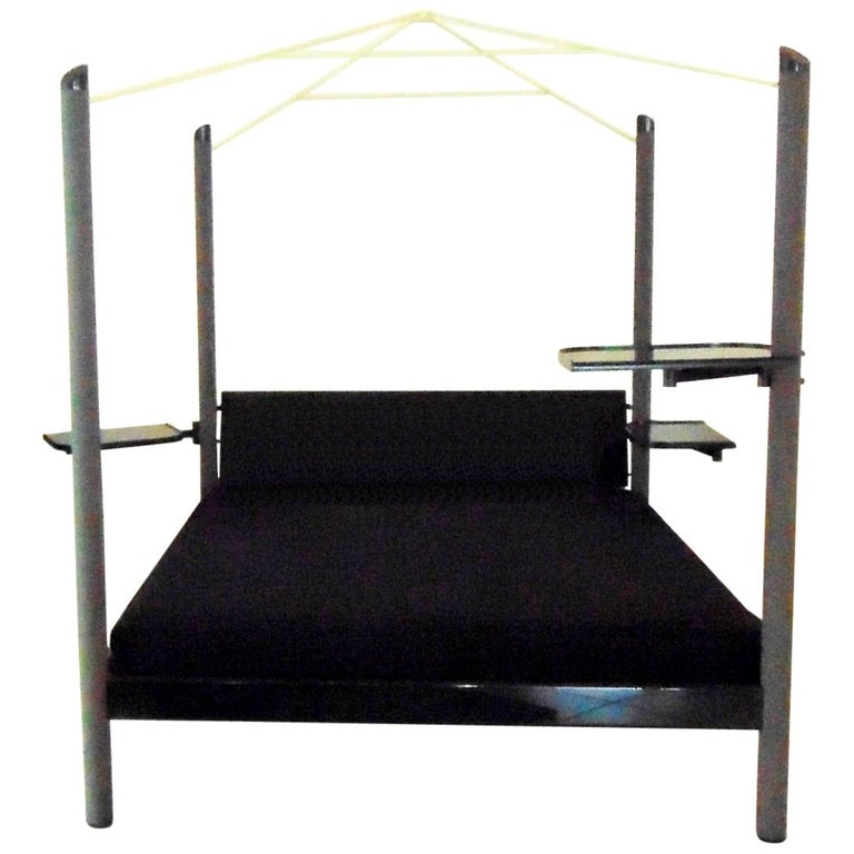 1980s Green Canopy Bed Glossy Dark Lacquer, Adjustable Shelves, Sormani, Italy For Sale