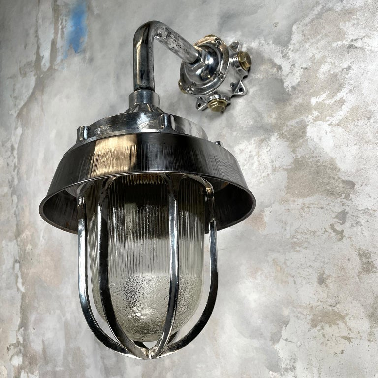 1980's Cast Aluminium Cantilever Wall Lamp Reeded Glass, Steel Shade & Cage For Sale 4