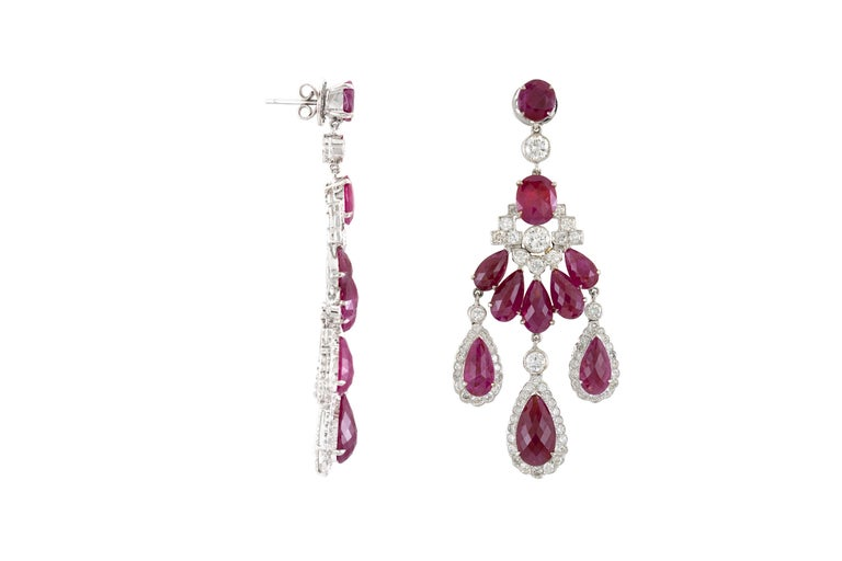 Round Cut 1980s Chandelier 18 Karat White Ruby and Diamond Earring For Sale
