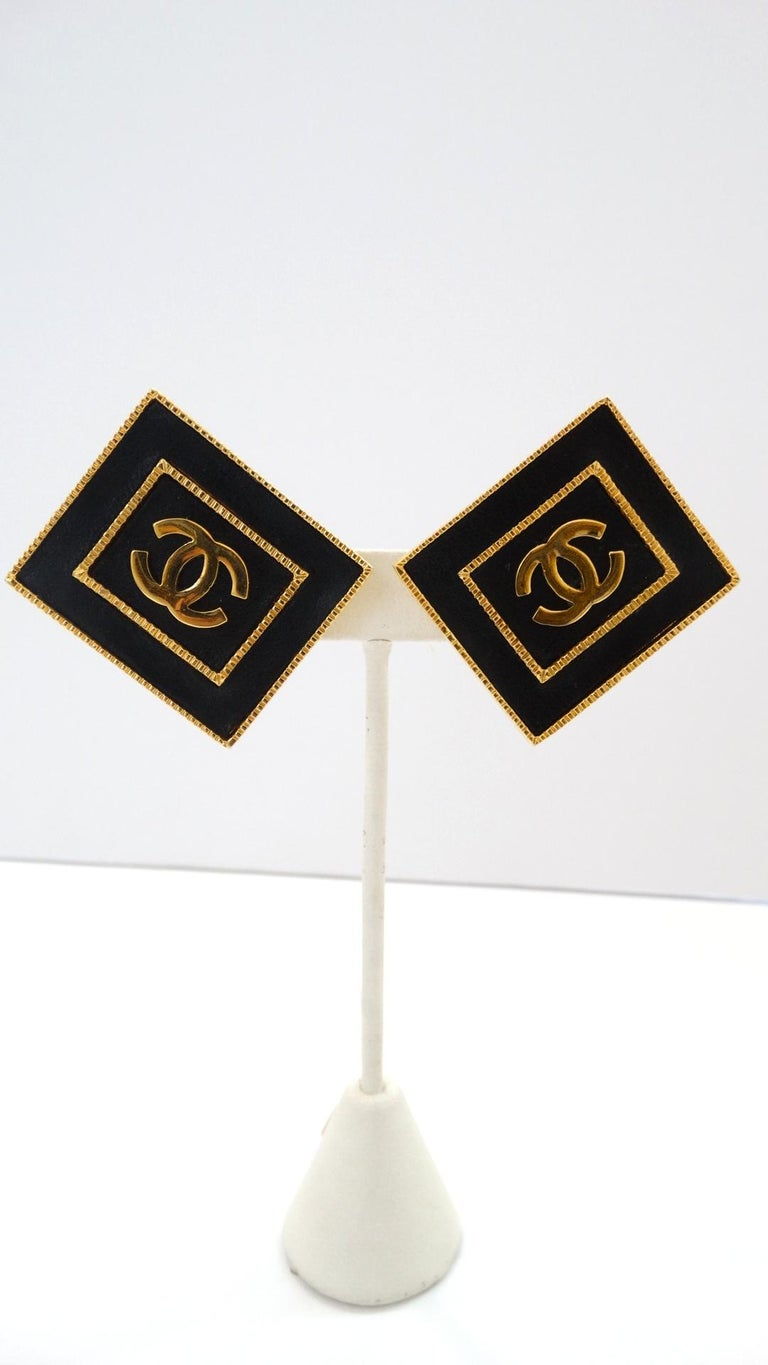 Score yourself a piece of Lagerfeld era Chanel with our gorgeous 1980s CC rectangle earrings! Signed collection