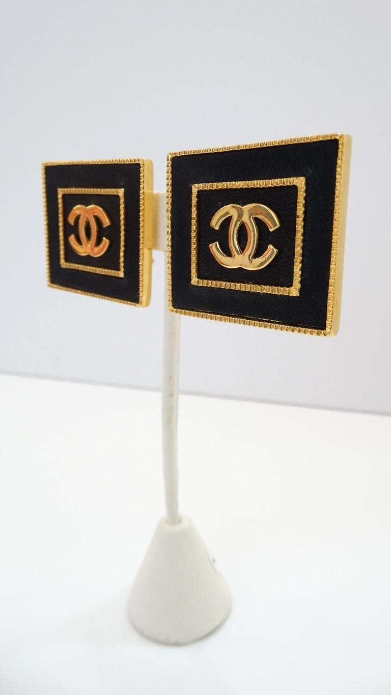 1980s Chanel CC Leather Rectangle Clip On Earrings For Sale 3