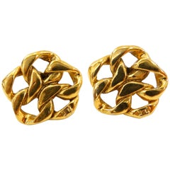 1980s Chanel Gold Chain Clip On Earrings