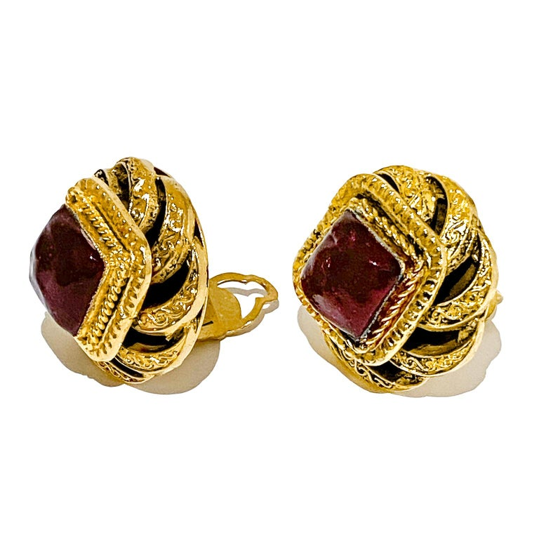 1980s Chanel Gold Tone and Red Poured Glass Earrings In Good Condition For Sale In Toronto, Ontario