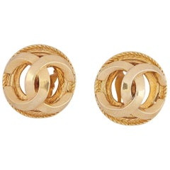 1980s Chanel Gold Tone Double CC Motif Earrings