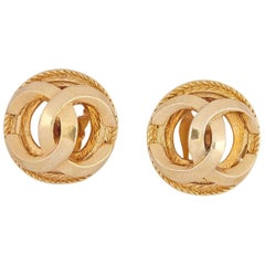 1980s Chanel Gold Tone Double CC Motif Earrings