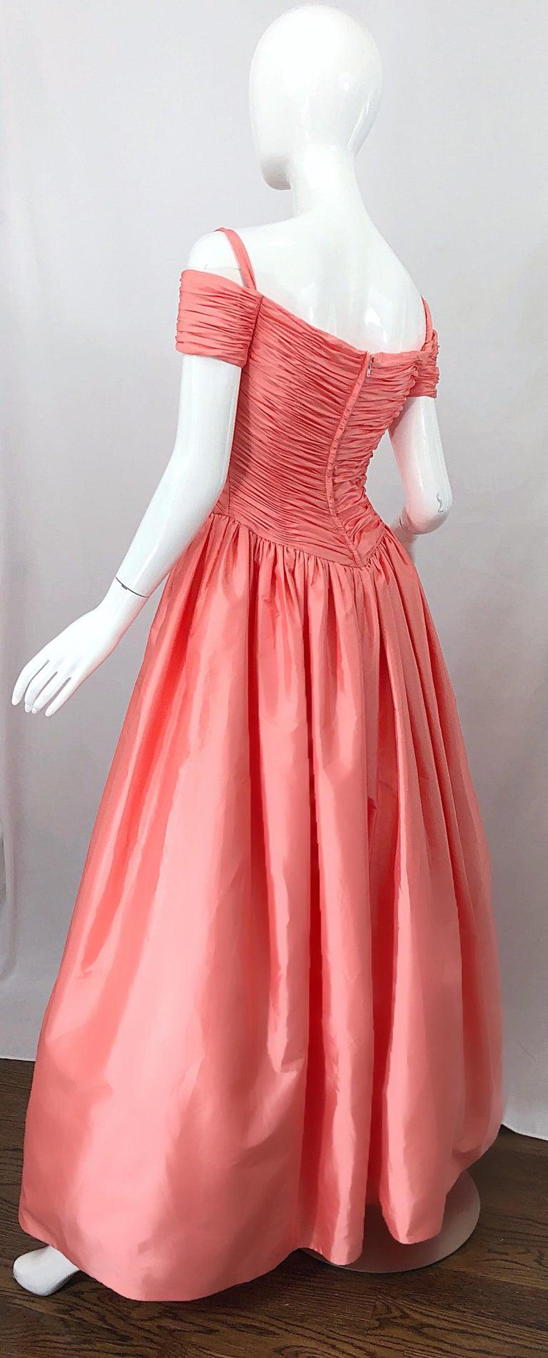 1980s Chris Kole Coral Pink Size 6 Off the Shoulder Silk Taffeta Vintage Gown For Sale 10