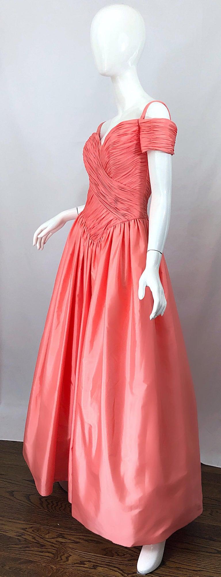 1980s Chris Kole Coral Pink Size 6 Off the Shoulder Silk Taffeta Vintage Gown For Sale 2