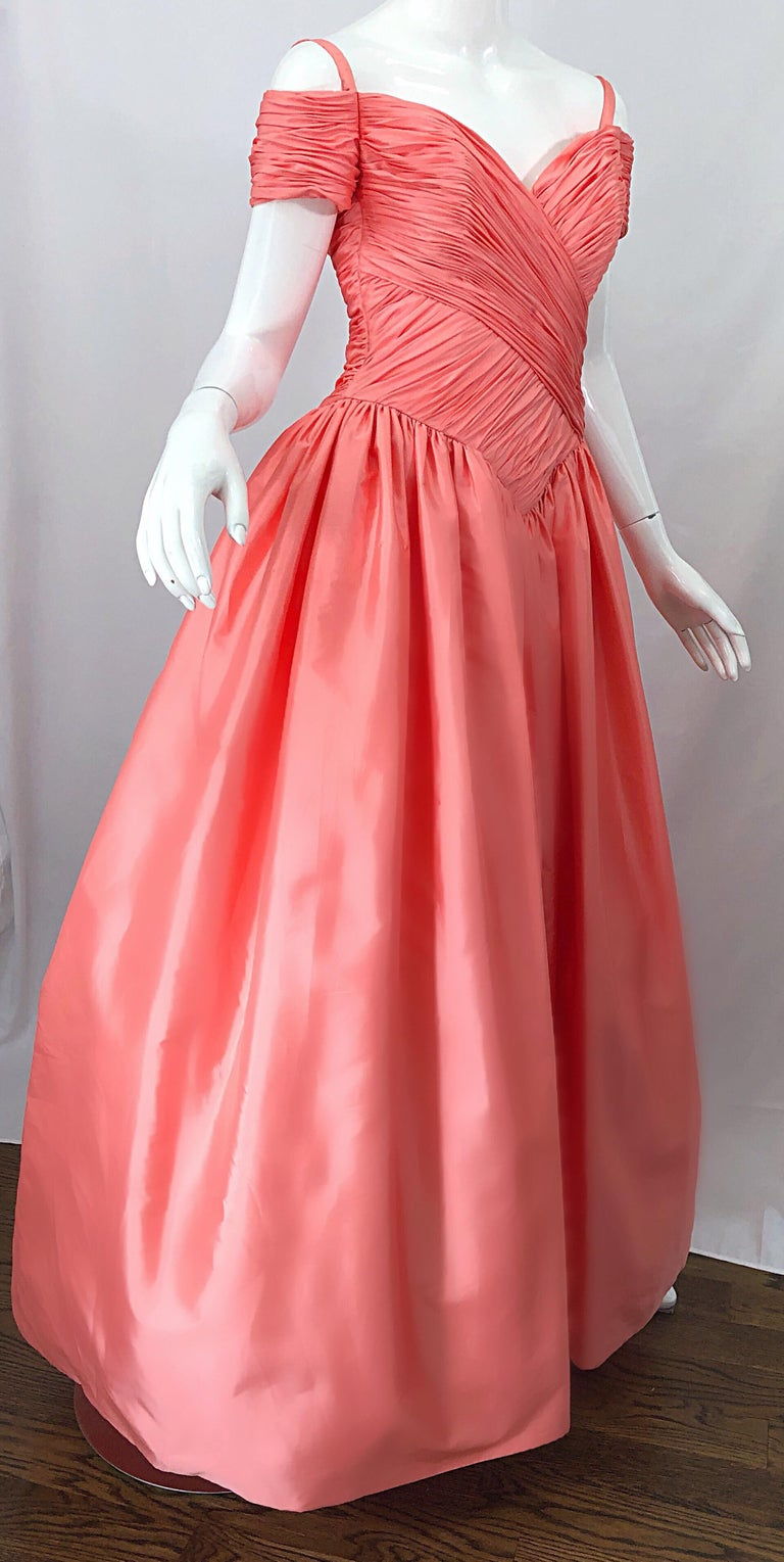 1980s Chris Kole Coral Pink Size 6 Off the Shoulder Silk Taffeta Vintage Gown For Sale 3