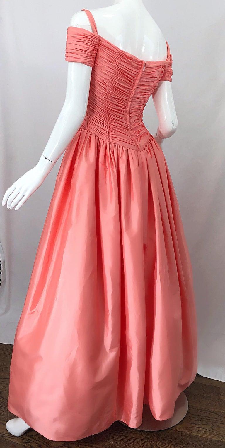 1980s Chris Kole Coral Pink Size 6 Off the Shoulder Silk Taffeta Vintage Gown For Sale 5