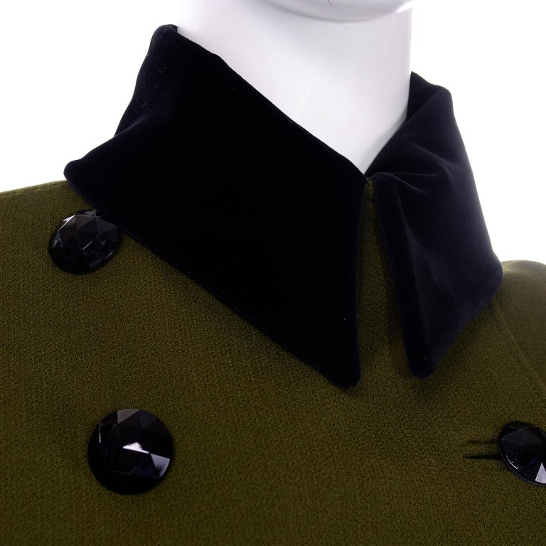 1980s Christian Lacroix Green Wool Double Breasted Jacket w/ Black Velvet Collar For Sale 8