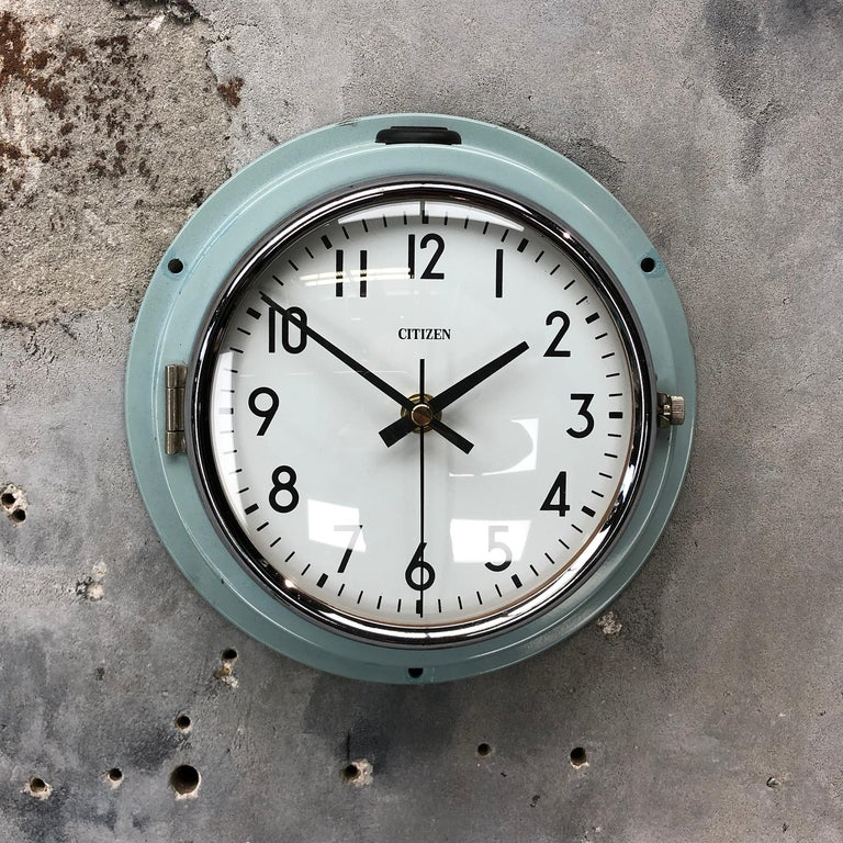 1980s Citizen Japanese Blue Steel Retro Vintage Industrial Antique Quartz Clock In Good Condition For Sale In Leicester, Leicestershire