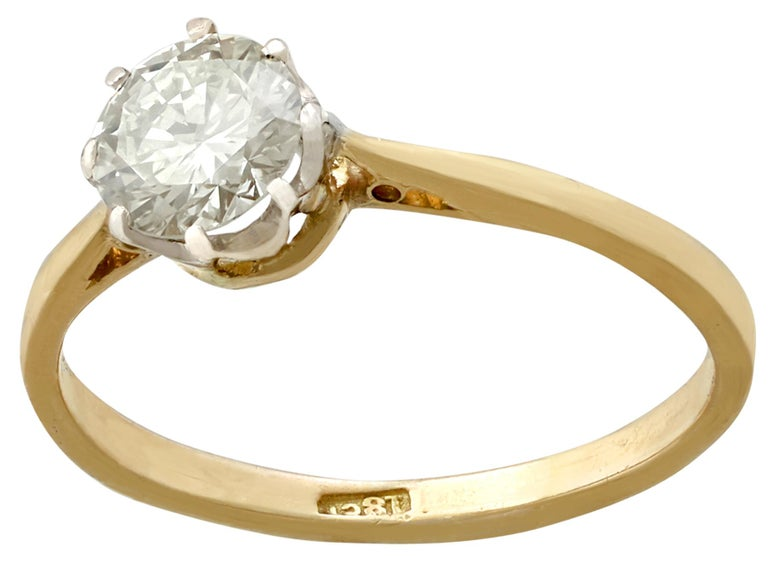 Round Cut 1980s Diamond and Yellow Gold White Gold Set Solitaire Ring  For Sale