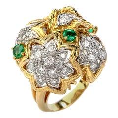 1980s Diamond Emerald 18 Karat Gold Large Star Cocktail Bombe Ring