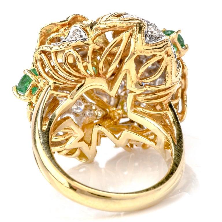 Emerald Cut 1980s Diamond Emerald 18 Karat Gold Large Star Cocktail Bombe Ring For Sale