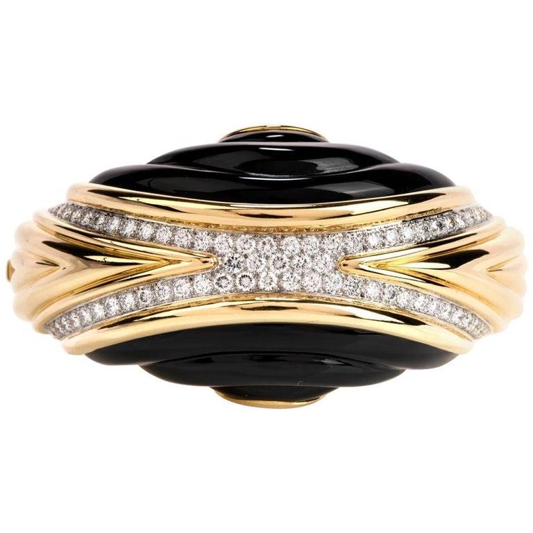 1980s Diamond Onyx 18 Karat Gold Large Wide Bangle Bracelet For Sale